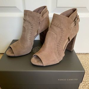 LIKE NEW! Vince Camuto Taupe Suede Peep Toe Bootie